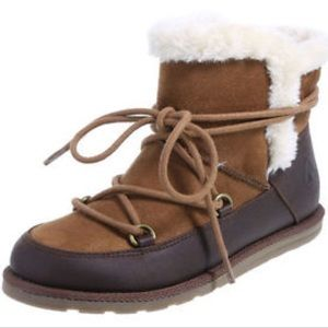 Airwalk lace up cozy lined  boots faux leather 9.5